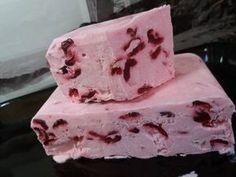 Gyümölcsös krémfagylalt alaprecept Sweet Desserts, Dessert Recipes, Ice Cream Freeze, Frozen Yoghurt, Sorbet, Fudge, Parfait, Sweet Treats, Food And Drink