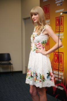 Taylor in yet another lovely dress #modestishottest