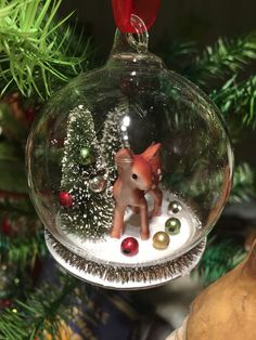 Add a traditional touch to your Christmas tree with this darling little Christmas Deer in Glass Globe Ornament. Add a traditional touch to your Christmas tree with this darling little Christmas Deer in Glass Globe Ornament. Christmas Mantels, Christmas Deer, Diy Christmas Ornaments, Outdoor Christmas, Christmas Balls, Rustic Christmas, Vintage Christmas, Christmas Wreaths, Ornament Crafts