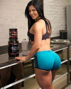 Vücut geliştirme  sporcusu ve fitness eğitmeni Eva Andressa muhteşem ve seksi bir fiziği ve güzelliği ile magazin ve spor medyasının yeni fe...
