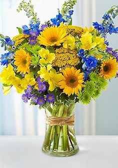 We can't resist a deal on fresh #summer #flowers ...Love yellow & blue!