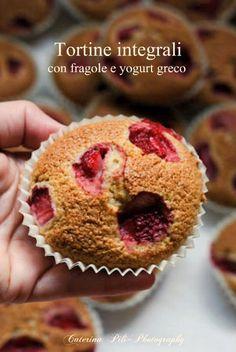 Tortine integrali con fregole e yogurt greco 177kcal (o 157kcal senza mandorle)