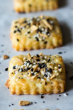 Spicy Everything Bagel Cheddar Cheese Crackers - The Beach House Kitchen