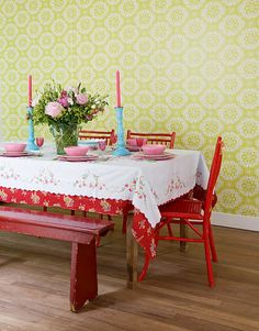 Great combination of colours! Wallpaper by Room Seven.