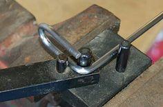 Robotic Welding Comes Of Age – Metal Welding Metal Working Tools, Metal Tools, Welding Table, Welding Art, Metal Welding, Metal Projects, Welding Projects, Welding Ideas, Cool Tools