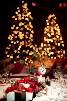 Holiday wedding with crimson accents - so fun!    #Sunriver Resort Great Hall