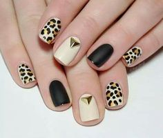 Go through our collection of the best animal print nail art ideas, and get those nails painted now. Gold Gel Nails, Rose Gold Nails, Oval Nails, Cute Nails, Pretty Nails, My Nails, Hair And Nails, Tribal Nails, Leopard Nails
