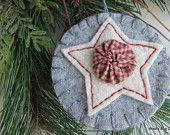 White Star Yo Yo Ornament, Gray Wool Felt Background, Natural Color Cotton Batting Star, Cotton Fabric Yo Yo, Folk Art Star