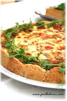 Feta-tomaattipiirakka - Pullahiiren leivontanurkka Savory Pastry, Savoury Baking, Vegan Gains, Swedish Recipes, Food Tasting, Vegan Desserts, Vegetable Pizza, Good Food, Food And Drink