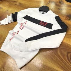 Nike Clothes Mens, Nike T Shirt Mens, Casual Wear For Men, Nike Outfits, Health Facts, Branded T Shirts, Pajama Set, Shirt Designs, Hoodies