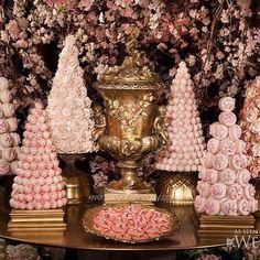 #cherryblossomwedding #asseenonwedluxe #farawaycastle #eventsbyonefineday #weddingplanner #luxurywedding #sweettable #stylized @bobbetteandbelle @ikonicaimages @forgetmenotflowers_frankrea