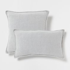 Light grey pillow with double stitching