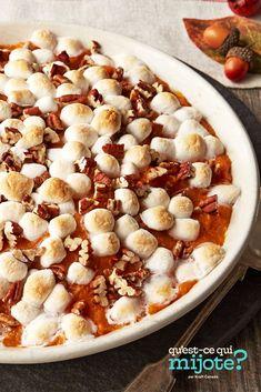 Casserole de patates douces à l'érable #recipe Sweet Potato Pecan, Sweet Potato Casserole, Casserole Dishes, Recipe Tonight, Peeling Potatoes, Calories, What To Cook, Side Dishes, Oatmeal