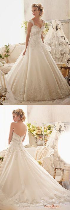 2016 Straps A Line Wedding Dresses With Applique And Beads Organza Item Code: #CMDPB9BFQAJ