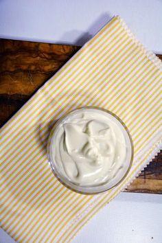 Cómo hacer mayonesa casera y que no se corte. Receta fácil y rápida