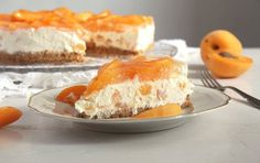 Delightfully sweet and creamy cheesecake made with white chocolate and topped with fresh apricots. No Cook Desserts, Delicious Desserts, Dessert Recipes, Brownie Recipes, Cheesecake Recipes, Apricot Cheesecake Recipe, Cream Cheese Potatoes, Brownie Cake, Cake Brownies