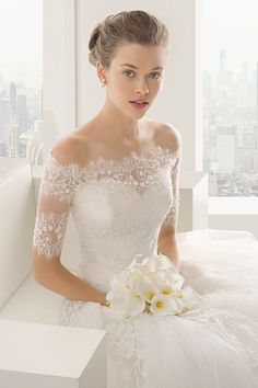 Wedding gown by Rosa Clara weddinggown http://gelinshop.com/ppost/216735800792977899/