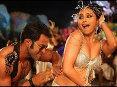 Rani Mukherjee and Prithviraj are all set to enthrall the audiences with their up-coming rom-com Aiyyaa. The story is about a Marathi girl Meenakshi Deshpande (Rani Mukerji) falling in love with a Tamil artist Surya (Prithviraj). It is a quirky and funny love story with the backdrop of a Marathi-Tamil cultural clash. The lead female protagonist woos the stranger she desires as he smells good