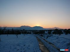 Atardecer Yeclano tras la nevada.