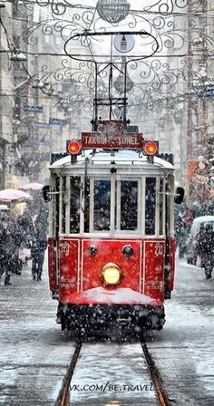 I use to ride in these downtown.... I think.... But I SO wish I could ride in one in Christmas Time!