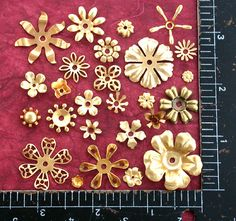 Metallo e fiori stampati, frantumi ottone fiore fiori metallo Vintage STA-002