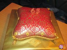 Coushion /Pillow cake - Cake by Mary Yogeswaran Pillow Cakes, Pillows, How To Make Cake, Wedding Cakes, Friends, Morocco, Birthday, Happy, Amigos