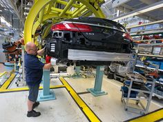 German Ifo Confidence at 10-Month High as Stimulus Kicks - Bloomberg Business