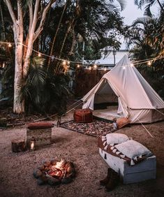 RV And Camping. Great Ideas To Think About Before Your Camping Trip. For many, camping provides a relaxing way to reconnect with the natural world. If camping is something that you want to do, then you need to have some idea Camping Hacks, Backyard Camping, Camping Glamping, Camping Life, Campsite, Outdoor Camping, Camping Essentials, Camping Outdoors, Camping Ideas