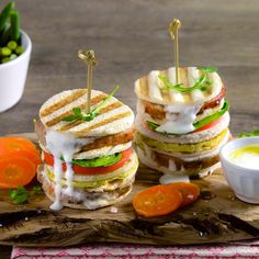 Una ricetta sfiziosa per uno spuntino gustoso…il Club Sandwich all'ortolana!   #LeIdeediAIA #AIA #ClubSandwich #Sandwich #Pomodoro #Mozzarella #Insalata #Appetizer #Food #Ricette #Ricettario #Cucina #CucinaItaliana #Cucinare #Yum #Yummy #Secondi
