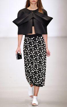 London Edition Spring/Summer 2015 Trunkshow Osman Look 4 on Moda Operandi Fashion Outfits, Womens Fashion, Fashion Ideas, Catwalk Fashion, Spring Summer 2015, Beautiful Gowns, Dresser, Ready To Wear, Autumn Fashion