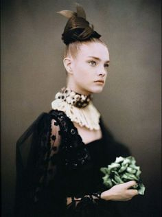 Natalia Vodianova photographed by Paolo Roversi for Vogue Italia ('Like a Painting'), September 2006. #HauteCouture