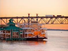 The Mississippi and the bridge of Baton Rouge