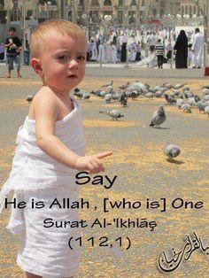 little kid @ haj Cute Kids, Cute Babies, Baby Hijab, Rumi Love, Religion, Islam Women, Mekka, Holy Quran, Muslim Couples