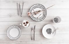 Finding tableware might seems like ab easy task but between simple white and horrible patterns there's basically nothing. Diy Ideas, Ceramics, Patterns, Simple, Tableware, Easy, Beautiful, Decor, Ceramica