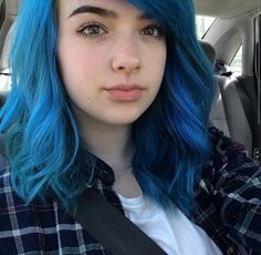 Xoe is goals. Check her out on instagram... I absolutly love her @bluehairdontcare