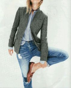VISIT FOR MORE J Crew Rhodes herringbone blazer. This blazer looks wonderful. Love the collar construction and color The post J Crew Rhodes herringbone blazer. This blazer looks wonderful. Love the collar c appeared first on Jeans. Fashion Mode, Work Fashion, Womens Fashion, Fashion Trends, Trendy Fashion, Classy Fashion, Urban Fashion, Fashion News, Style Fashion