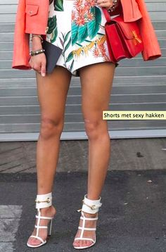 Print - Shorts with heels