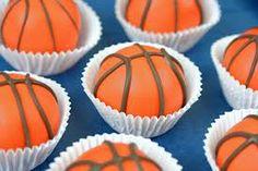 basketball cupcakes!!!!!! so cute!