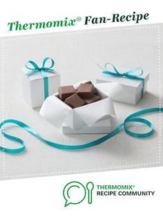 Recipe Classic chocolate fudge by Thermomix in Australia, learn to make this recipe easily in your kitchen machine and discover other Thermomix recipes in Desserts & sweets. Sweets Recipes, Desserts, Xmas Food, Recipe Community, Bellini, Chocolate Fudge, Food To Make, Sweet Treats, Thermomix