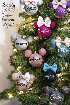 Disney Christmas Crafts, Mickey Mouse Christmas Tree, Harry Potter Christmas Decorations, Candy Christmas Decorations, Christmas Ornament Crafts, Xmas Crafts, Christmas Diy, Magical Christmas, Disney Christmas Tree Decorations