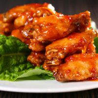 Wings O, Chili, Rainbow Bar, Apricot Chicken, Chicken Wings, How To Stay Healthy, Poultry, Oven, Food And Drink