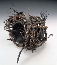 Contemporary Basketry: Gathered Materials/Industrial I LOVE this! Weaving Projects, Weaving Art, Bamboo Weaving, Art Projects, Land Art, Contemporary Baskets, Contemporary Art, Bountiful Baskets, Wire Art