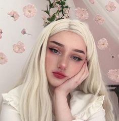 Image about girl in Makeup💄 by B✨ on We Heart It Blonde Aesthetic, Aesthetic Makeup, Aesthetic Girl, Cute Makeup, Beauty Makeup, Makeup Looks, Hair Makeup, Girl Pictures, Girl Photos