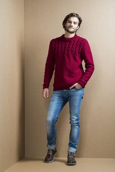 Mens cable stitch sweater, free pattern in Finnish and in Swedish at novitaknits.com
