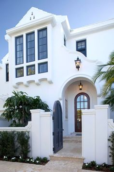 Love the detail in the stucco. Would love to do this on our patio and match our little wall.