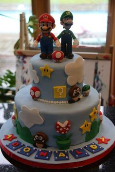 Super Mario bros cakes oh delicious did peach make that? Bolo Do Mario, Bolo Super Mario, Mario Bros., Super Mario Bros, Mario Birthday Cake, Super Mario Birthday, Super Mario Party, Mario Bros Y Luigi, Mario Bros Cake
