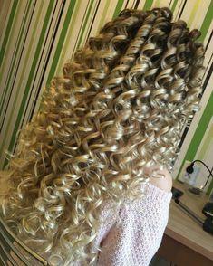 Spiral Perm Long Hair, Big Curls For Long Hair, Big Curly Hair, Spiral Curls, Long Curls, Curly Hair Styles, Ringlet Curls, Crimped Hair, Long Hair Wedding Styles