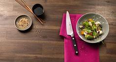 [SOL I PAPAR / ZAGREB, ZTO FUTURA / MALI LOŠINJ, SCAVOLINI STORE / RIJEKA]  Posjetite naša prodajna mjesta i probudite kuhara u sebi. Odaberite omiljeno povrće, nasjeckajte ga pomoću Zwilling noža savršeno preciznih performansi i složite si egzotičnu japansku salatu.  #zwilling #knife #food #salad #foodporn #lunch  #design #quality #solipapar #zagreb #wine #scavolinistore #rijeka #pgrupacija  Yummery - best recipes. Follow Us! #foodporn