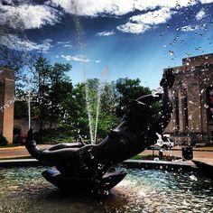 A perfect day to dip your feet in the fountain.  #IndianaMustSee