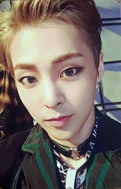 The precious Xiuminnie. He's so pretty, it hurts me sometimes.